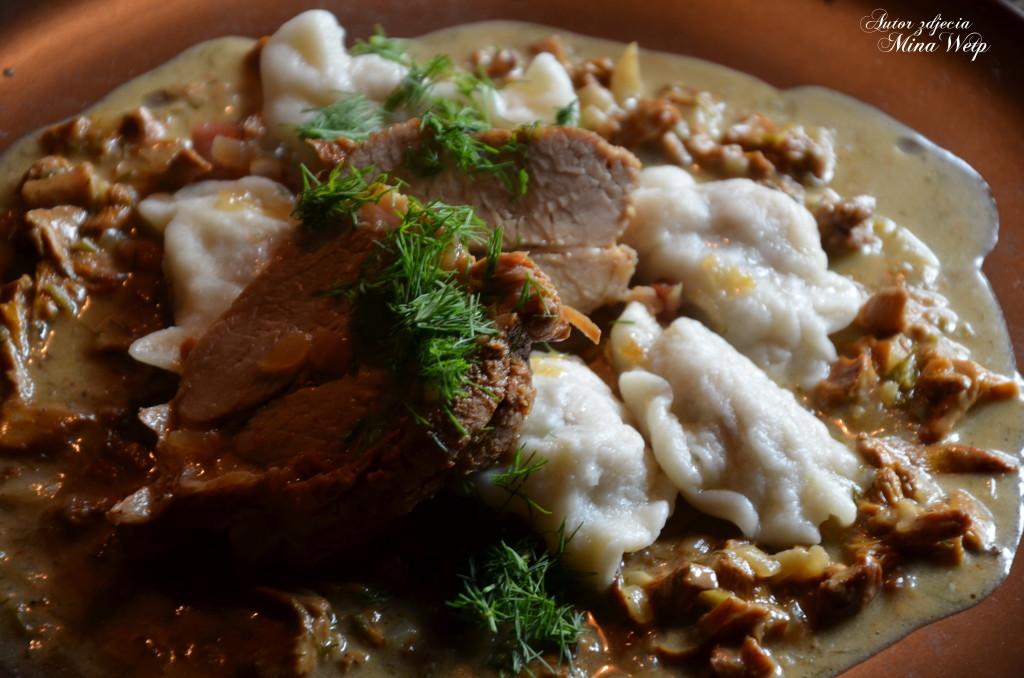 Mięso wieprzowe z sosem kurkowym