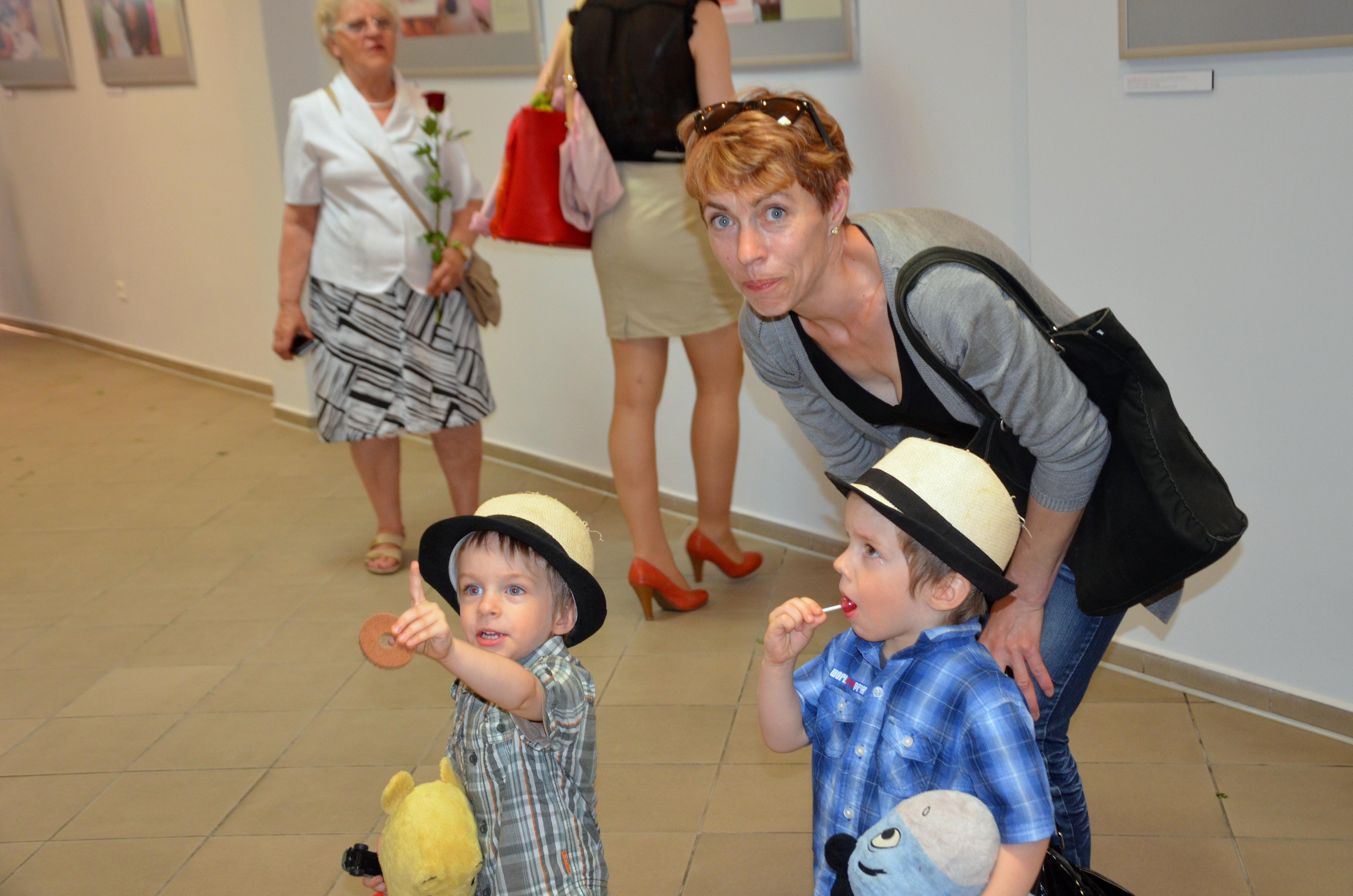 Uczestnicy i goście Wystawy Kreatywne Mamy
