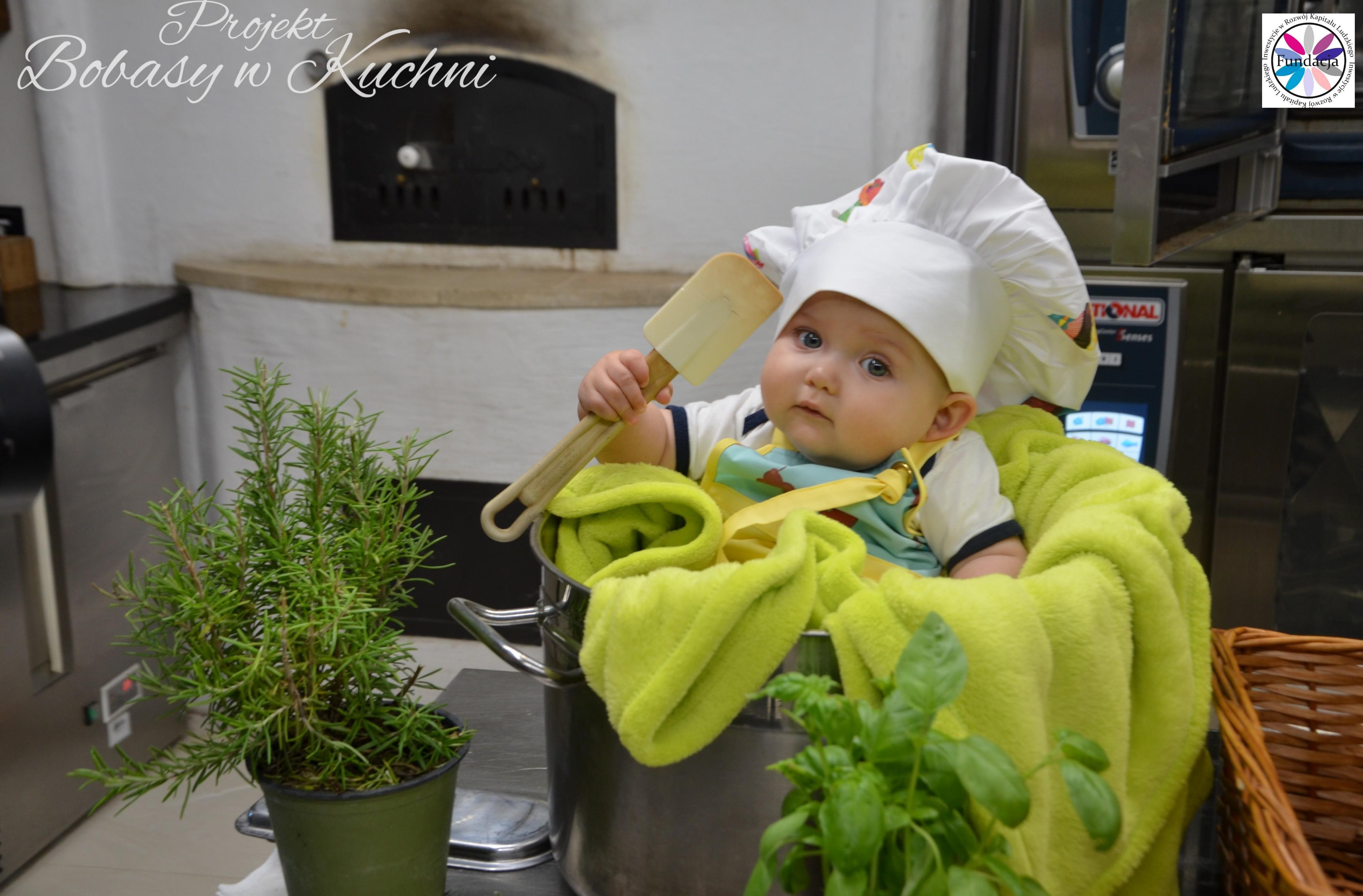 Wiktoria Olczak z Olkiem z projektu Bobasy w Kuchni sesja10