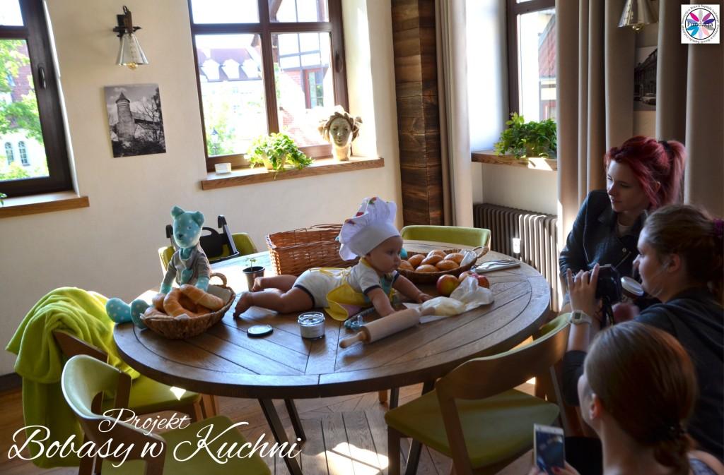 Wiktoria Olczak z Olkiem z projektu Bobasy w Kuchni sesja13