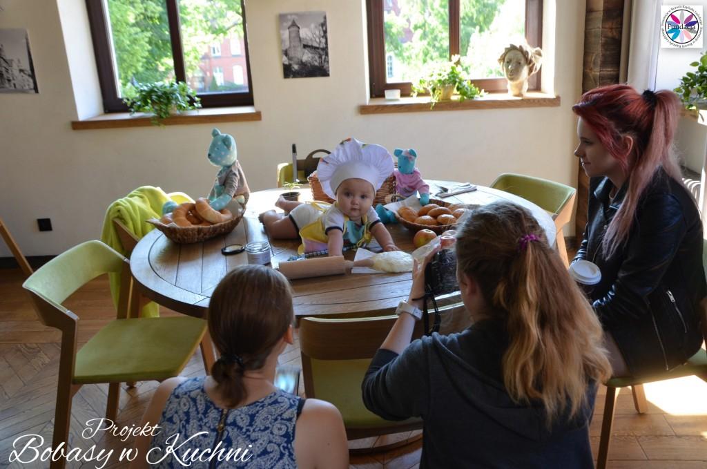 Wiktoria Olczak z Olkiem z projektu Bobasy w Kuchni sesja14