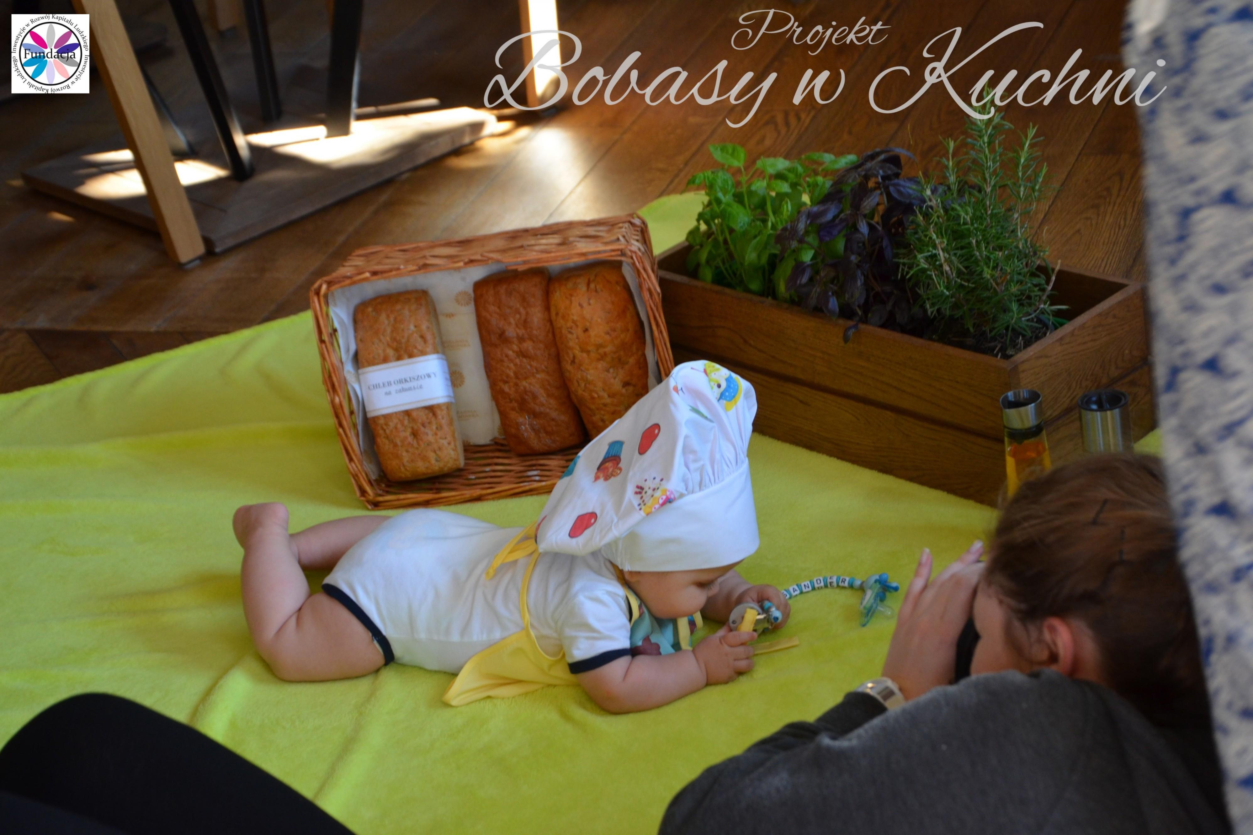 Wiktoria Olczak z Olkiem z projektu Bobasy w Kuchni sesja24