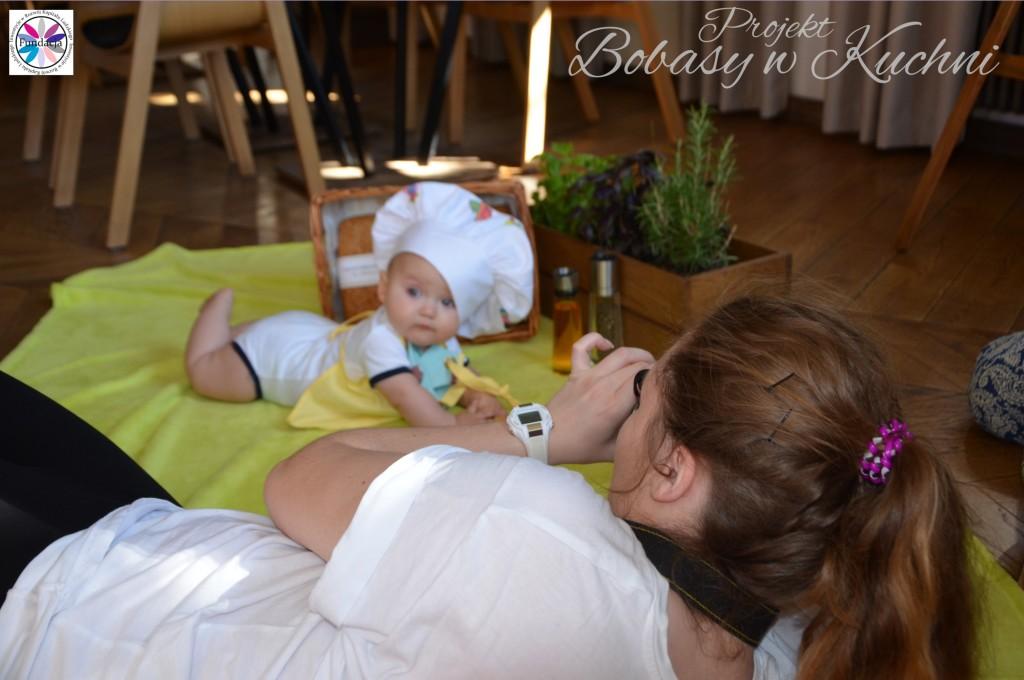 Wiktoria Olczak z Olkiem z projektu Bobasy w Kuchni sesja25