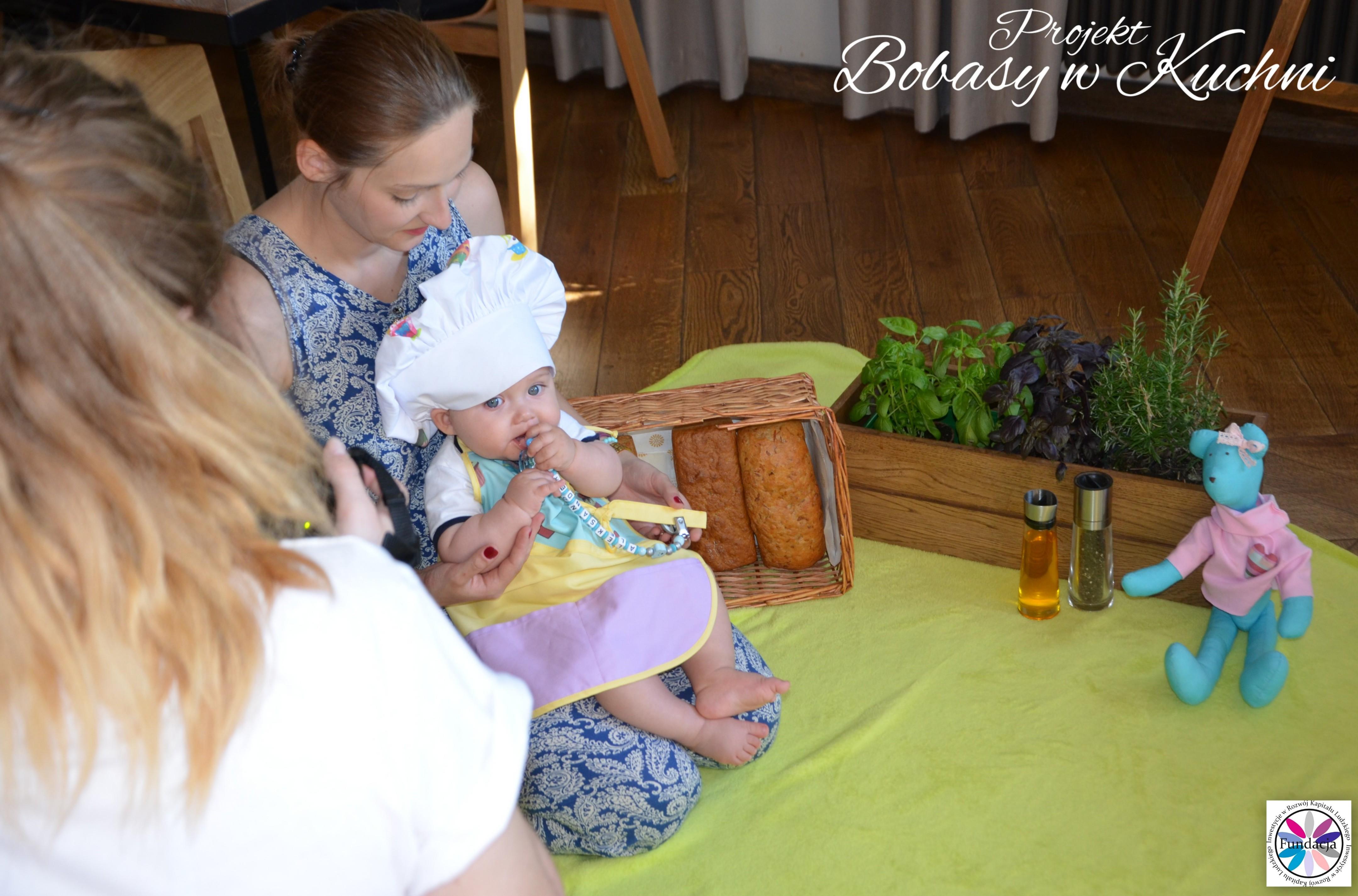 Wiktoria Olczak z Olkiem z projektu Bobasy w Kuchni sesja30